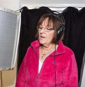 Sonja singing